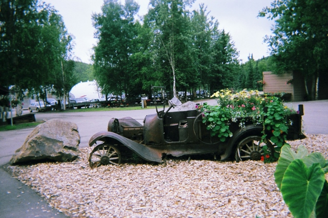 old-truck-planter-640x425